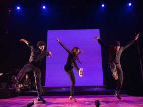 Dormeshia dancing on stage