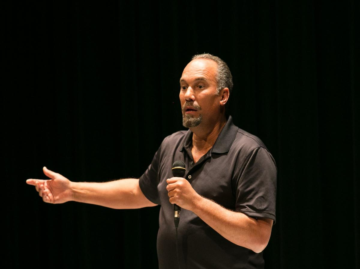 Roger Guenveur Smith in performance